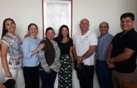Alumnos junto a autoridades de IP CFT Curicó