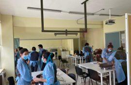Estudiantes de Terapia Ocupacional realizando trabajo de simulación