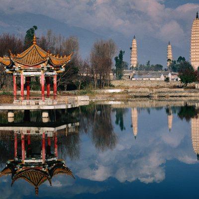 Three_Pagodas_of_Chongsheng_Temple_Dali_Yunnan_Province_China