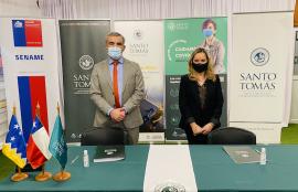 Firma convenio Santo Tomás Sename