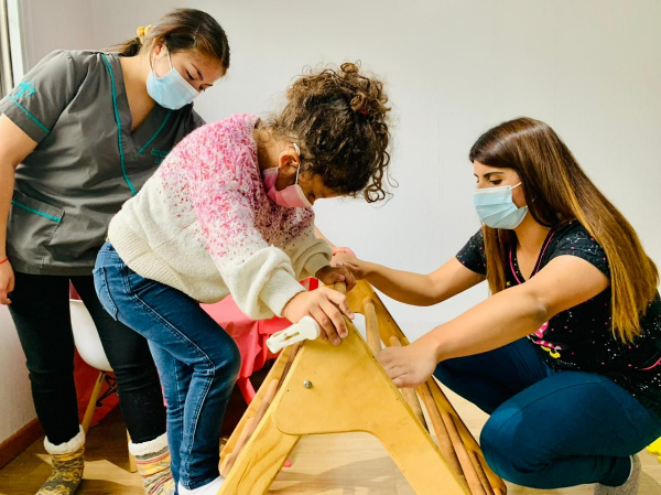 Mabel Ruiz, titulada de Terapia Ocupacional UST en trabajo práctico